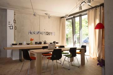 Hamburg  Meeting room TischundStuhl image 1
