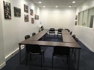 Paris  Salle de réunion Beauté Partner image 0