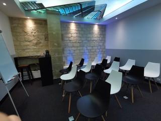 Bordeaux Espaces workshop Coworking Space Meeting Room - Le Seven 7TH image 1