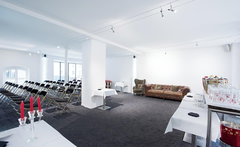 Paris corporate event venues Party room Le Patio - Le Studio-loft image 1