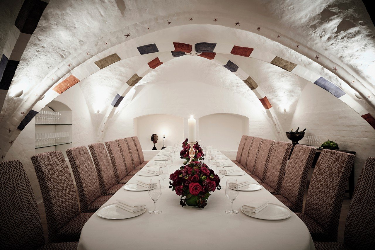 Copenhagen corporate event venues Party room Kong Hans Kælder - Big Meeting Room image 0