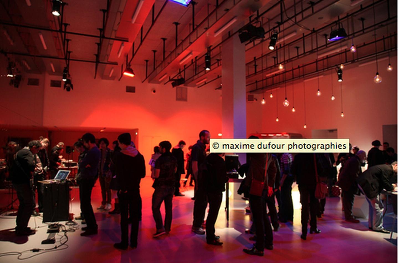 Paris corporate event venues Party room La gaîte lyrique - Modern foyer image 11