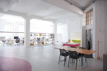 Nürnberg training rooms Industriegebäude Raum BENCH image 0