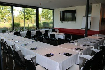 Munich corporate event venues Lieu Atypique OPEN.9 Golf Eichenried image 18