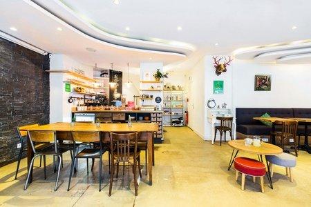 Paris corporate event venues Café Anticafé image 0