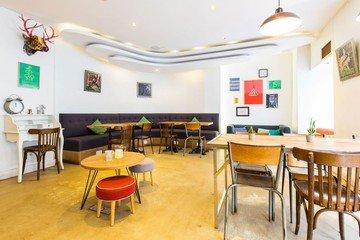Paris corporate event venues Cafe AntiCafé Louvre image 2