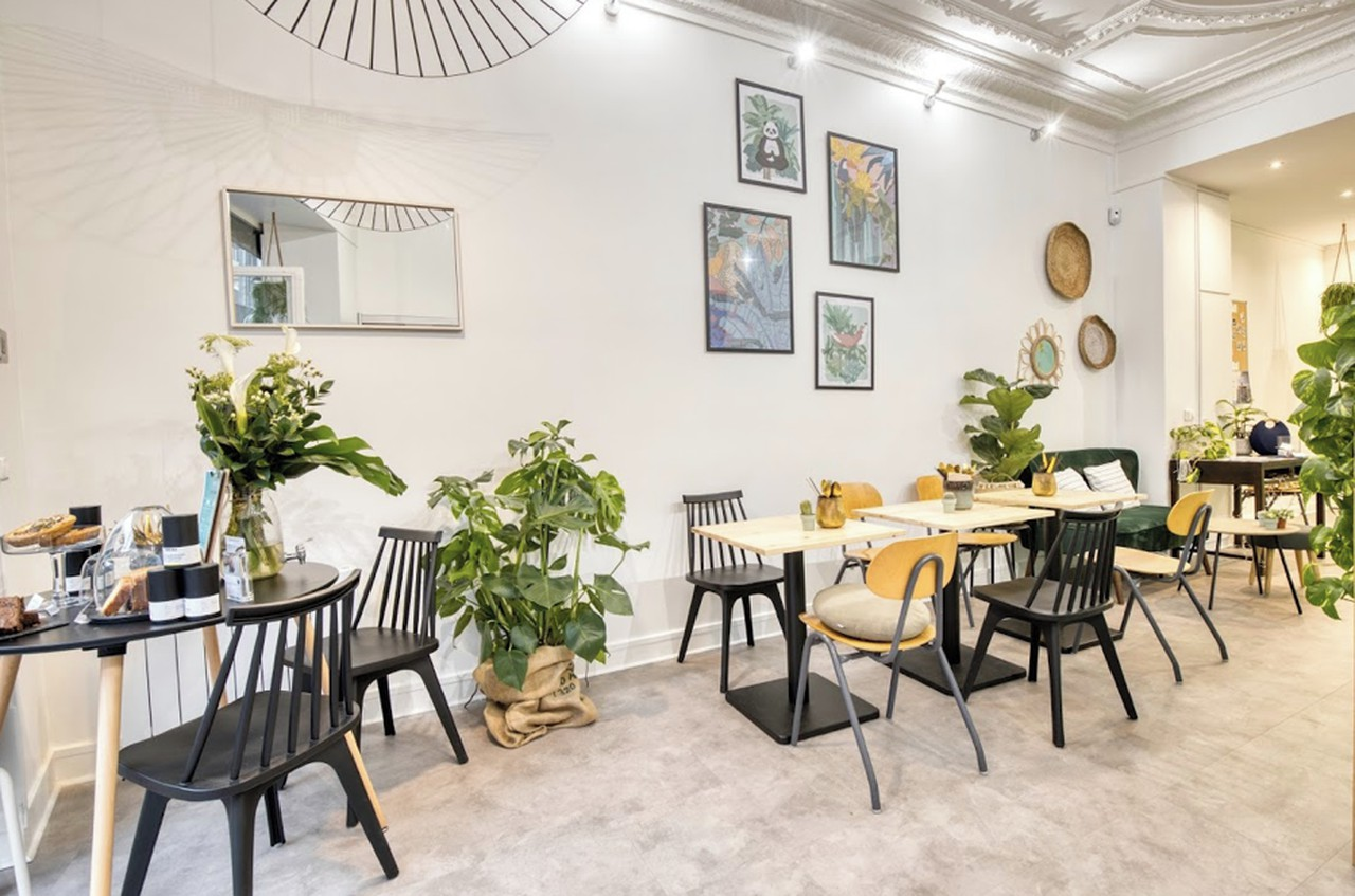 Paris training rooms Cafe  image 0