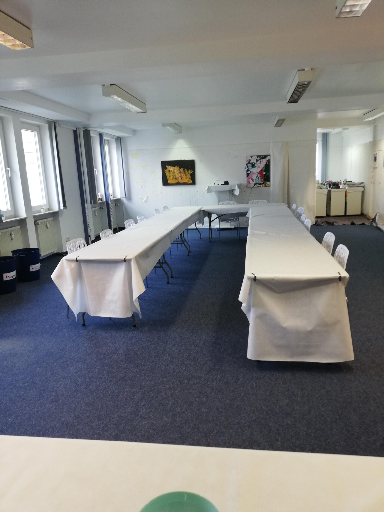 Rest of the World Schulungsräume Meeting room SchwARTsmalerei Büro Seminarraum Atelier image 1