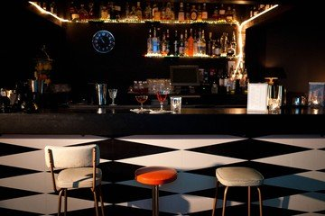 Londres corporate event venues Bar Drink Shop & Do - Downstairs Bar image 11