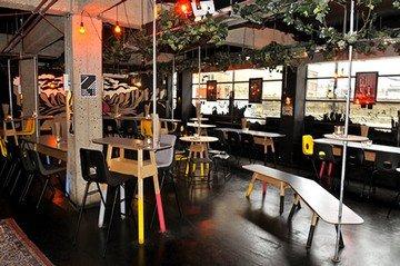 London workshop spaces Bar Queen of Hoxton - Ground Floor image 2