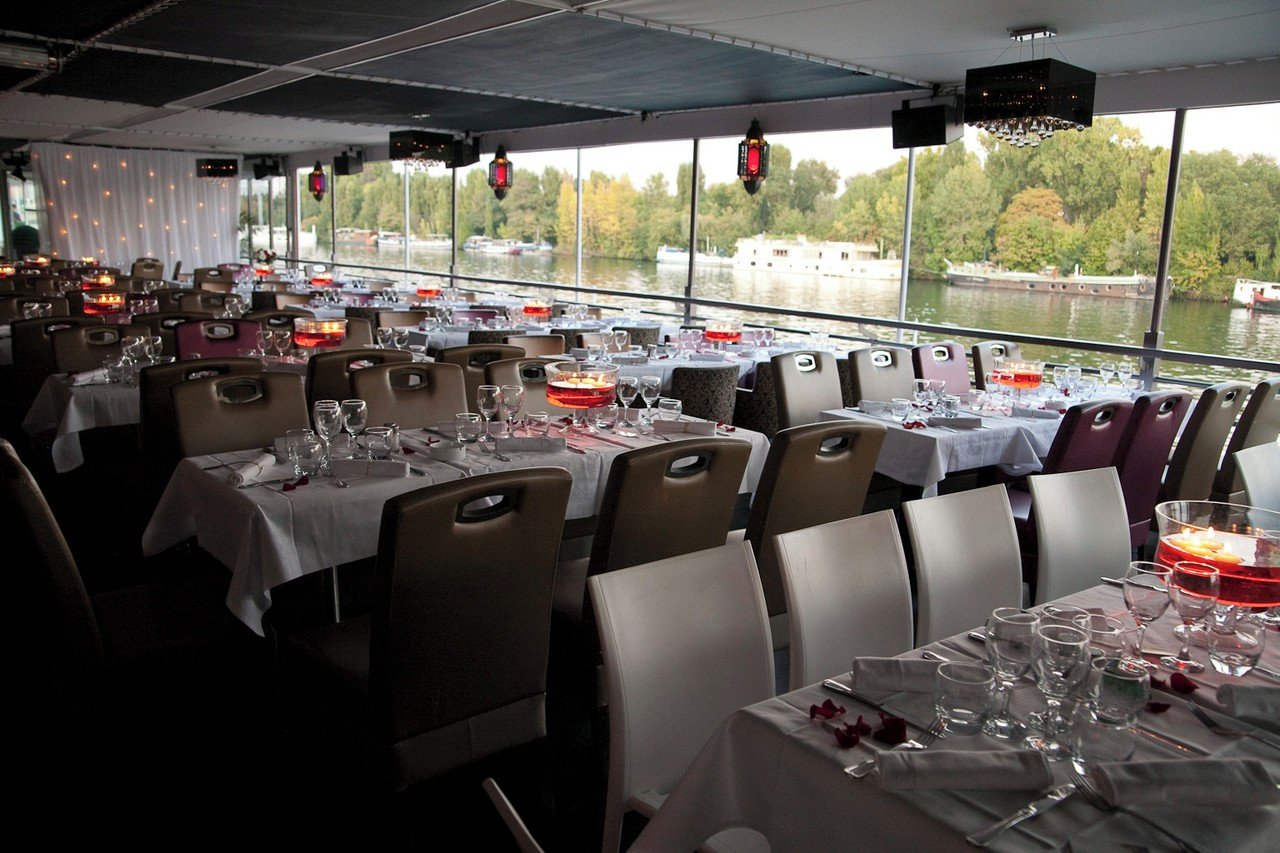 Paris corporate event venues Boot SALON SUR L'EAU image 0