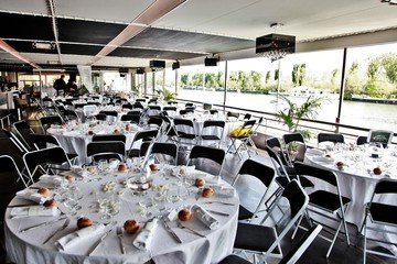 Paris corporate event venues Boot SALON SUR L'EAU image 11