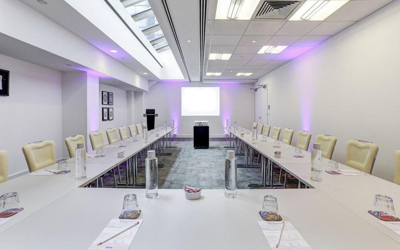 London training rooms Meetingraum Cavendish Venues America Square - Newgate Suite image 3