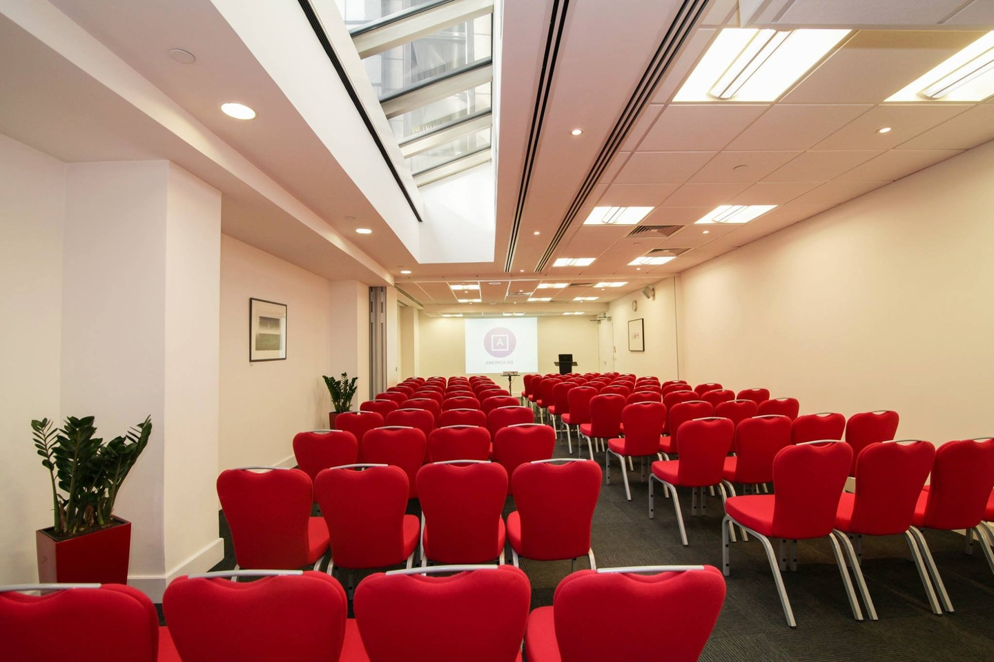 London training rooms Meeting room America Square - Aldgate & Bishopsgate Suite image 1