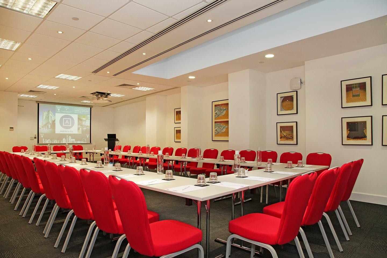 London training rooms Auditorium America Square - Fleet Suite image 1