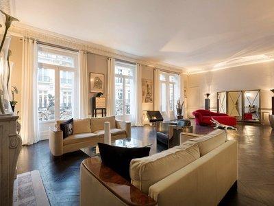 Paris corporate event venues Loft Champs Elysée Triangle d'or image 12