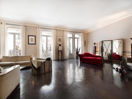 Paris corporate event venues Private residence Champs Elysées triangle d'or (220m2) image 10