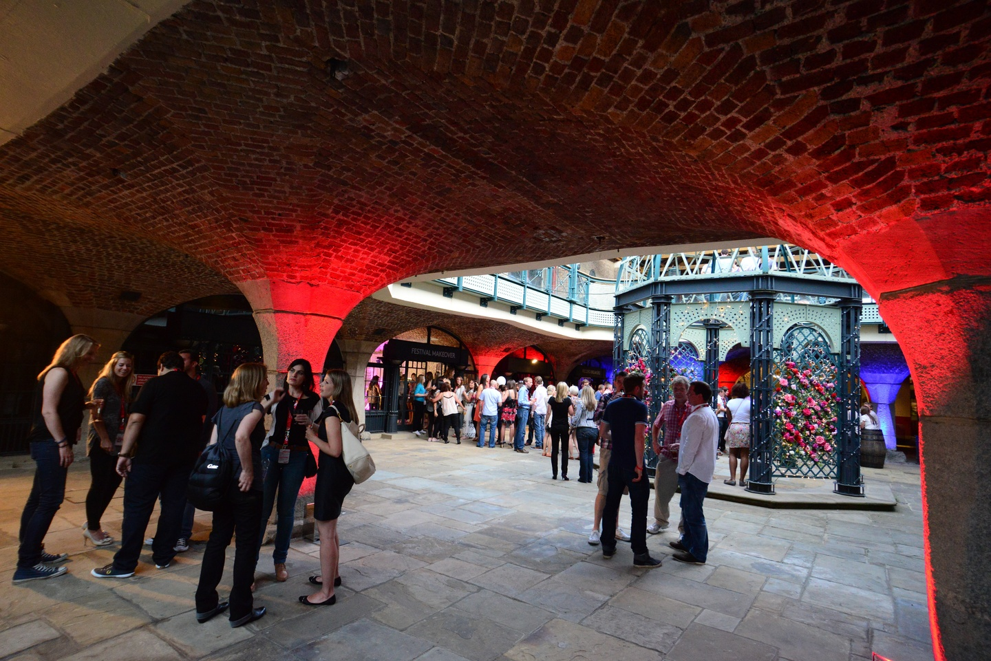 London corporate event venues Partyraum Tobacco Dock - South Vaults image 0