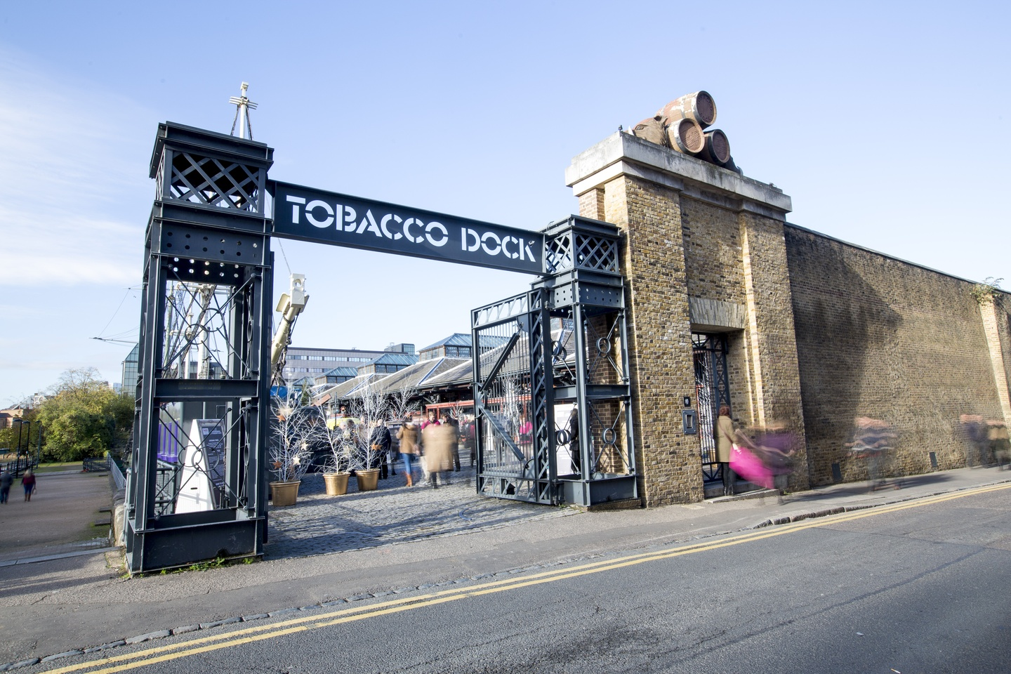 London corporate event venues Partyraum Tobacco Dock - South Vaults image 11