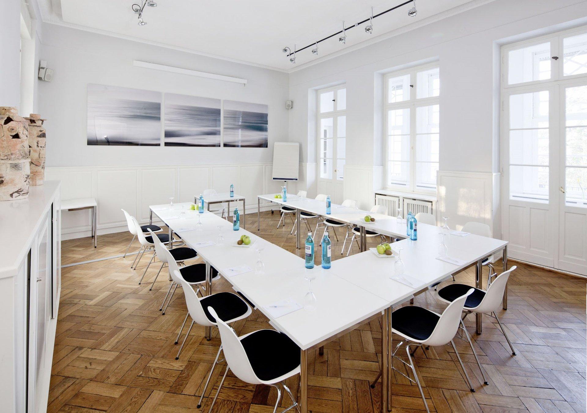 Berlin seminar rooms Meetingraum Villa Blumenfisch - Tagungsraum Zauberberg image 0