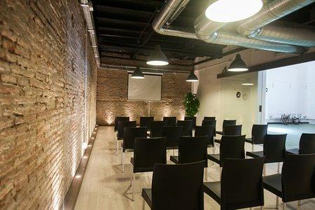 Barcelone training rooms Salle de réunion Valkiria Hub Space - Auditorium image 0