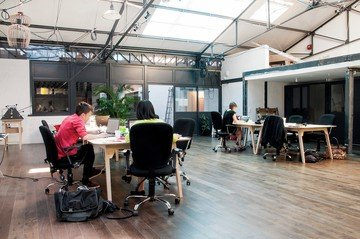 Paris workshop spaces Coworking Space Volumes Open Space image 1