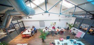 Paris Espaces de travail Coworking Space Volumes - Grande salle de réunion image 6