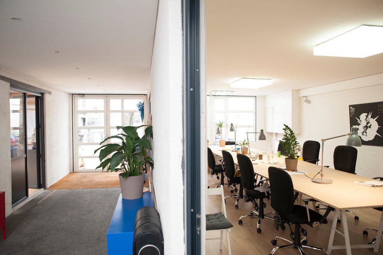 Paris Espaces de travail Coworking Space Volumes - Grande salle de réunion image 8