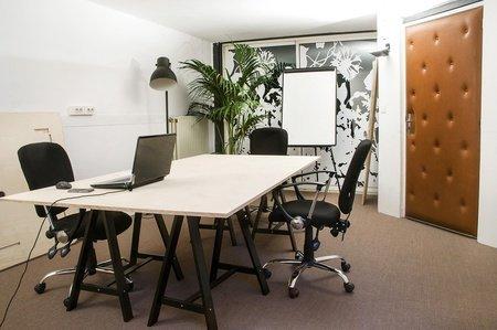 """Paris conference rooms Meeting room Volumes Petite salle de réunion """"La Ruche"""" image 1"""