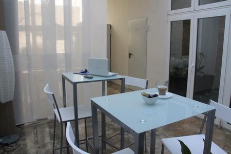 Autres villes training rooms Espace de Coworking CoworkingValencia image 5