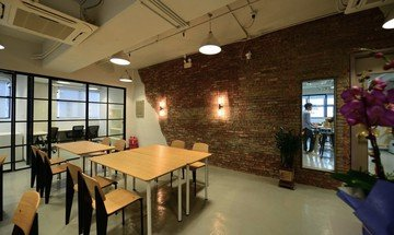 Hong Kong seminar rooms Coworking space TCH Cowork space - hot desk area image 1