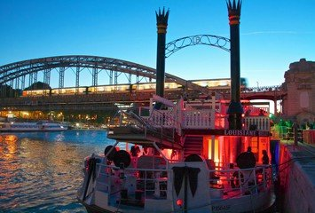 Paris corporate event venues Restaurant Louisiane Belle image 16