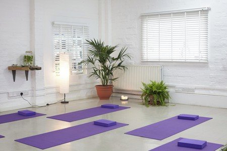 Londres workshop spaces Espace de Coworking Green House N16 - Wellbeing/ Yoga Room image 4