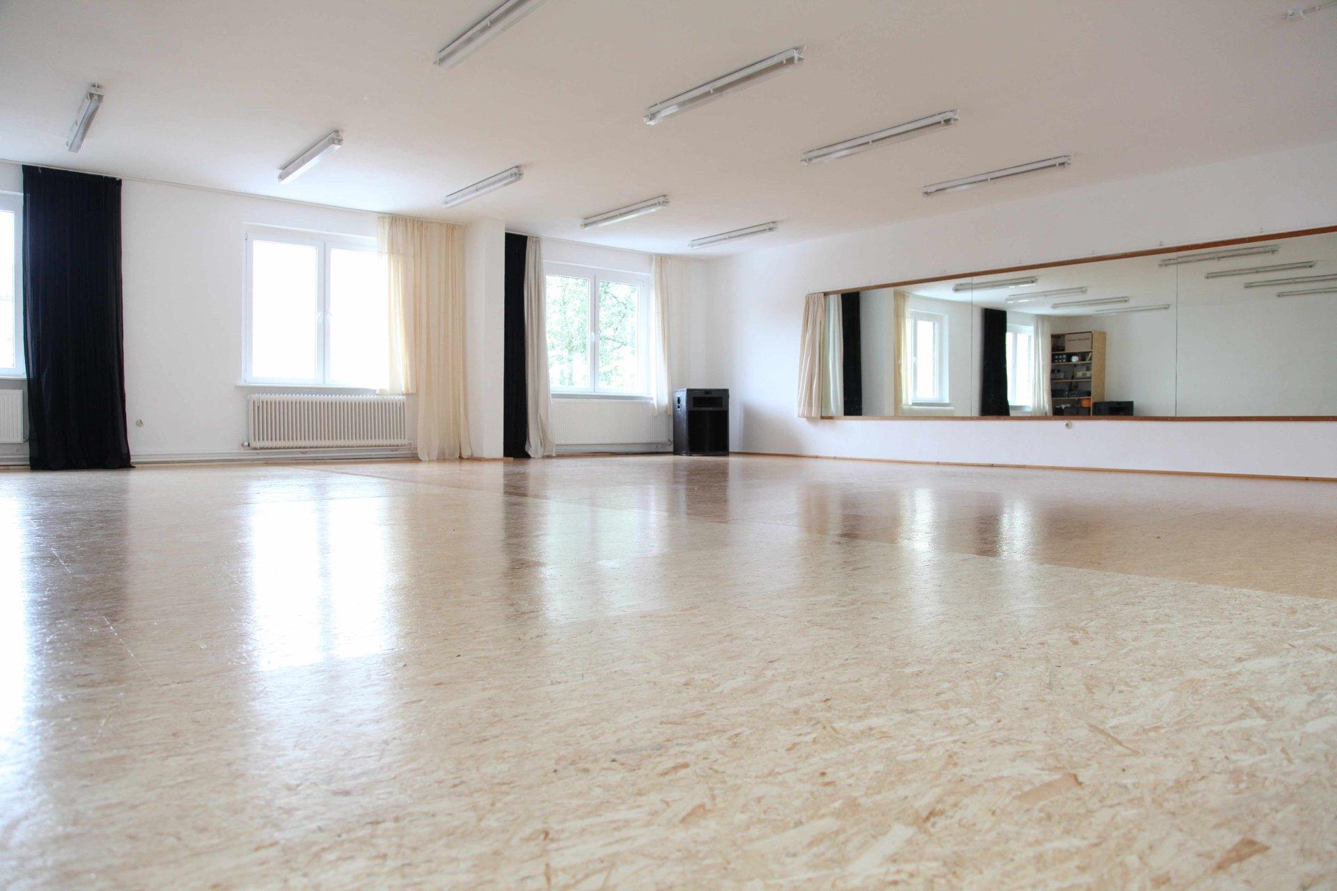 Berlin workshop spaces Lieu Atypique TanzTangente - Studio 1 image 0