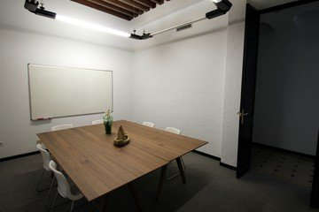 Malaga Train station meeting rooms Salle de réunion The Translation Factory - Meeting Room image 3
