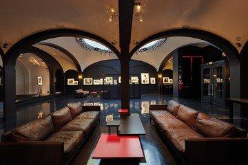 Paris corporate event venues Besonders Secret Gallery image 4