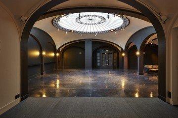 Paris corporate event venues Besonders Secret Gallery image 3