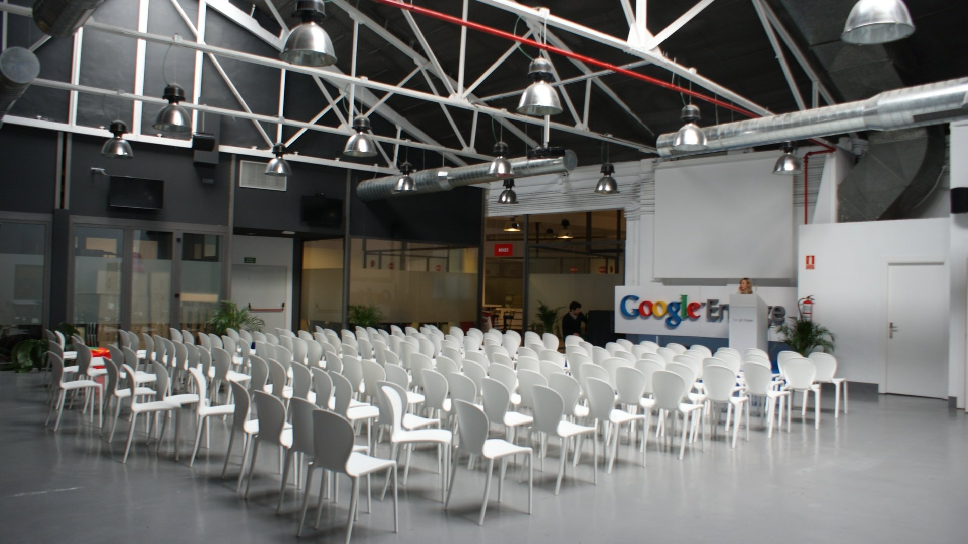 Madrid corporate event venues Coworking Space garAJE - Central Space image 0