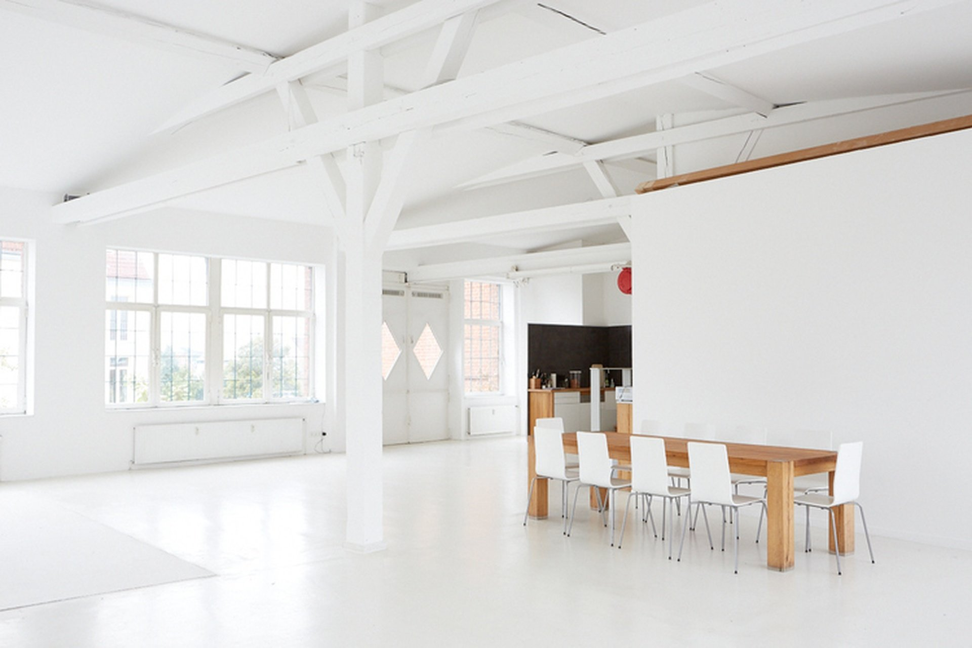 Hamburg workshop spaces Photography studio Highnoon Studio - East image 0