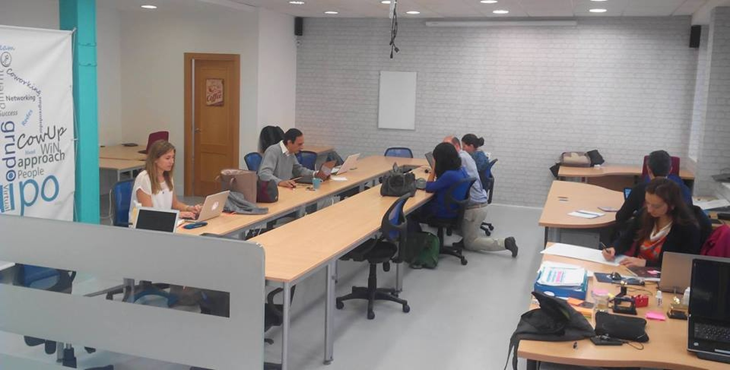 Madrid training rooms Espace de Coworking CowUp Majadahonda Coworking image 4