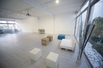 Madrid workshop spaces Salle de réunion Estudio Grey Box image 1