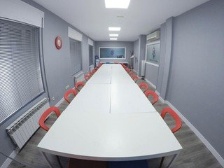 Madrid seminar rooms Meeting room N&N Networking Center - Sala Roja image 0