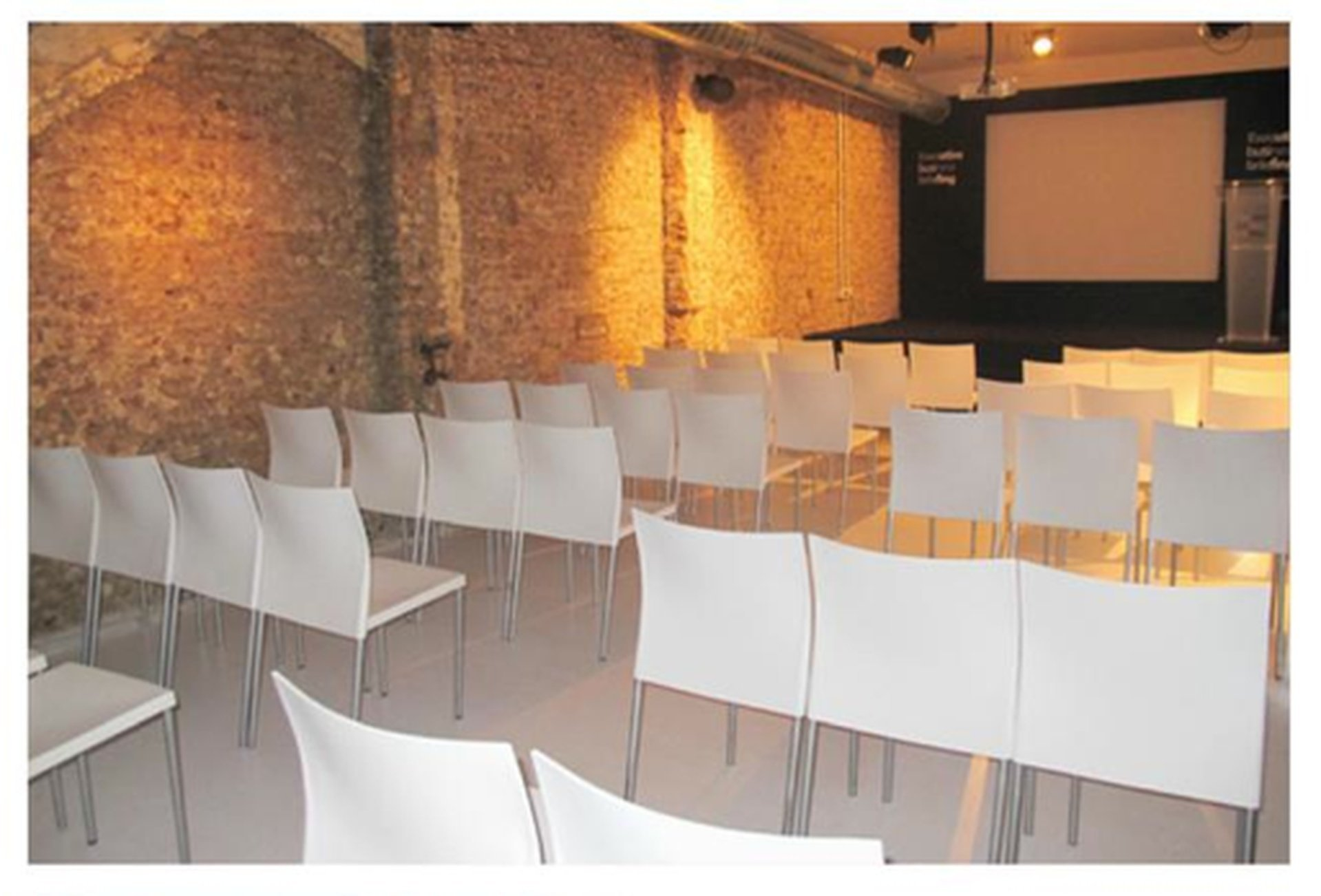 Barcelone workshop spaces Salle de réunion Ingracia image 0