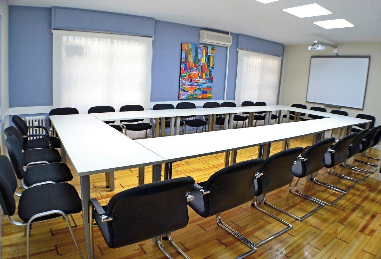 Madrid training rooms Meetingraum GSG Business Hub Retiro - Palacio de Cristal Meeting Room image 4