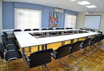Madrid training rooms Meetingraum GSG Business Hub Retiro - Palacio de Cristal Meeting Room image 4