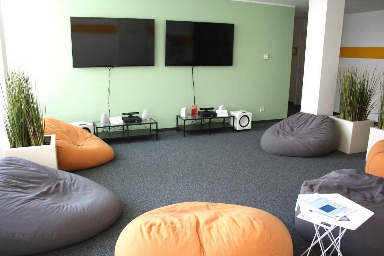Enjoyable Rent Tuv Rheinland Campus Chill Out Space Berlin Spacebase Pdpeps Interior Chair Design Pdpepsorg