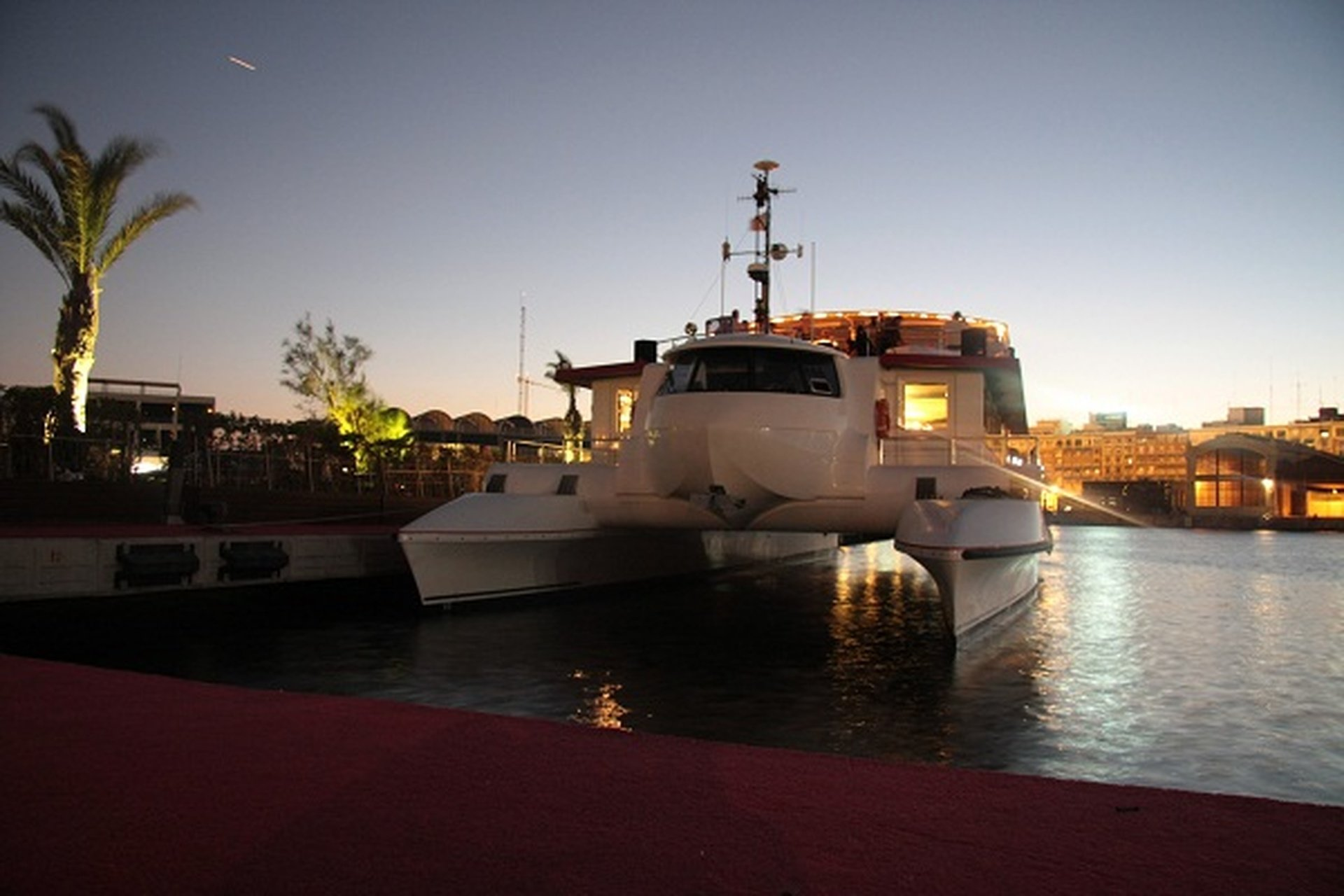 Rest der Welt corporate event venues Boot Dama de Valencia image 0