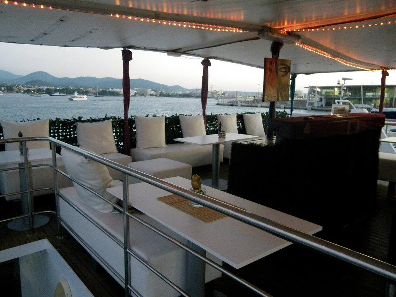 Rest der Welt corporate event venues Boot Dama de Valencia image 2