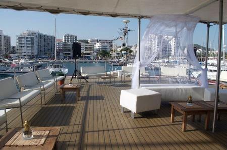 Rest der Welt corporate event venues Boot Dama de Valencia image 3
