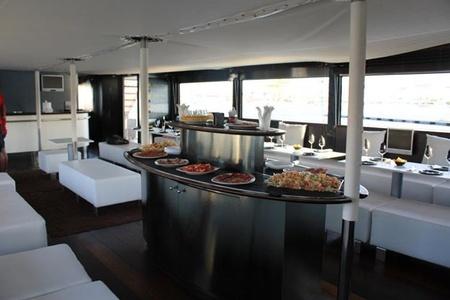 Rest der Welt corporate event venues Boot Dama de Valencia image 5